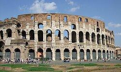 Flugreise in die italienische Hauptstadt